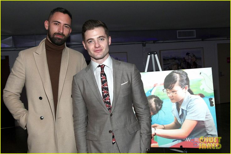 Robbie Rogers Suits Up To Host World Wide Orphans Fund's Night Of Play Charity Bash 2017! | robbie rogers hosts world wide orphans funds night of play charity bash 2017 21 - Photo