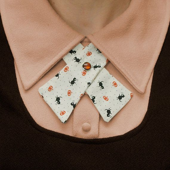 I want this soo bad!! Womens Neck Tie Retro Halloween by flappergirl on Etsy, $18.00