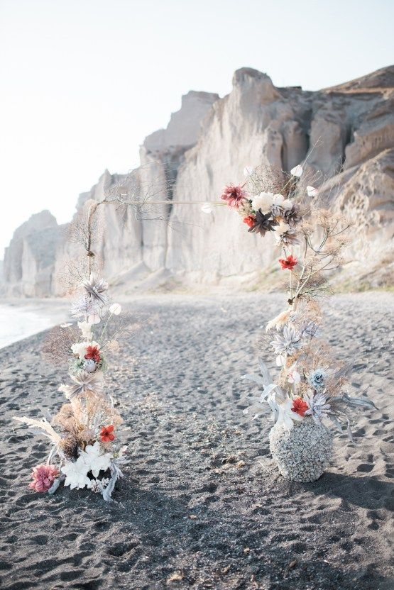Beach brides will love these Greek seashell wedding decor