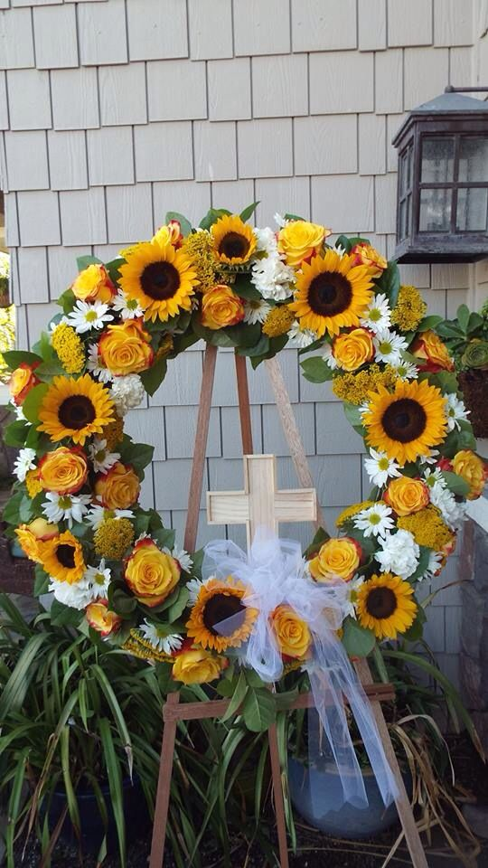 Sunflower Wreath With Cross Www Flowercouture4you Com