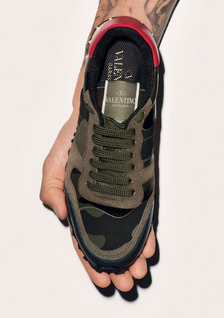 17 best ideas about valentino camo sneakers on pinterest valentino sneakers valentino camo. Black Bedroom Furniture Sets. Home Design Ideas