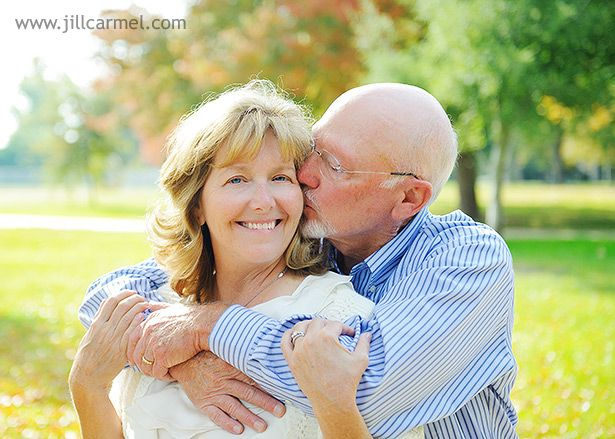 Jill Carmel photography: older couple pose
