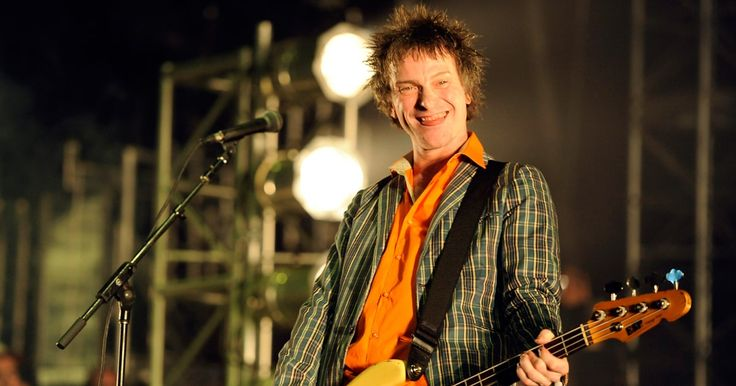 Hear Tommy Stinson's Cathartic Bash & Pop Song 'Never Wanted to Know' #headphones #music #headphones