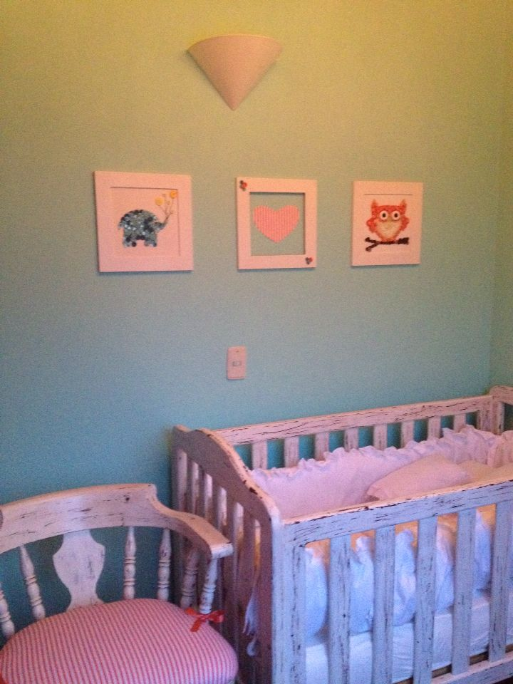 Baby's room. Button pictures.