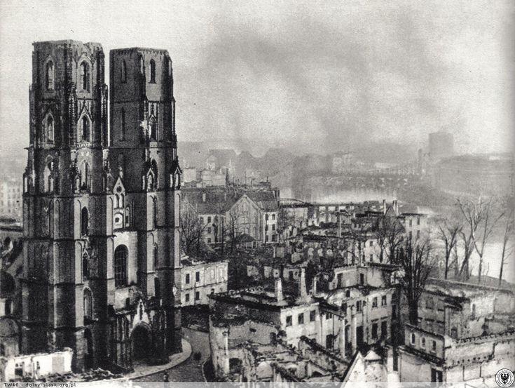Ostrów Tumski po wojnie (fot. B. Kupiec).Rok 1945