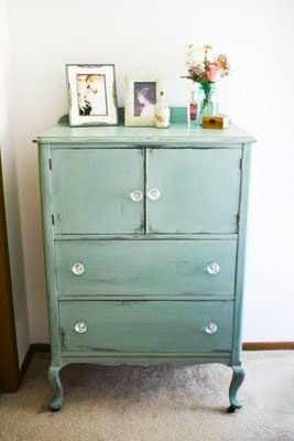1000 ideas about blue chalk paint on pinterest napoleonic blue annie sloan and chalk painting. Black Bedroom Furniture Sets. Home Design Ideas