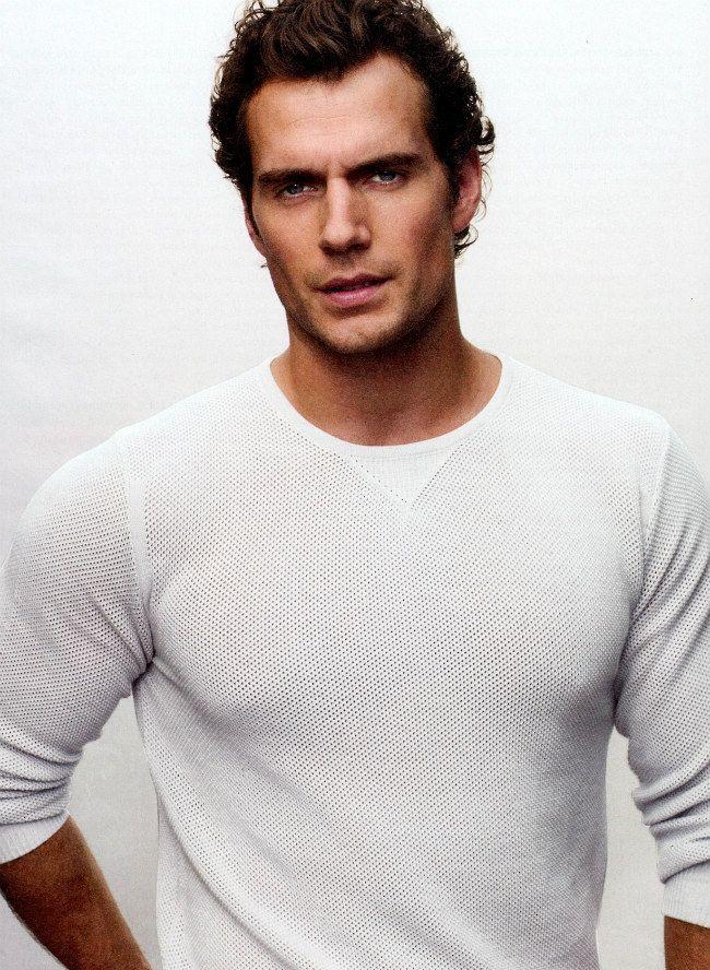 henry-cavill http://fiftyshadesofgreyfanclub.com/will-robert-pattinson-land-the-role-of-christian-grey/