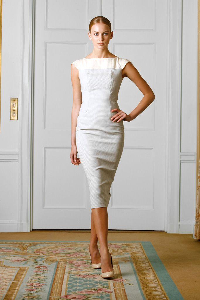 victoria beckham just make it knee length instead mode femme pinterest d ner en blanc. Black Bedroom Furniture Sets. Home Design Ideas