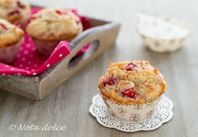 Muffin alle fragole e cocco ricetta senza burro e senza uova