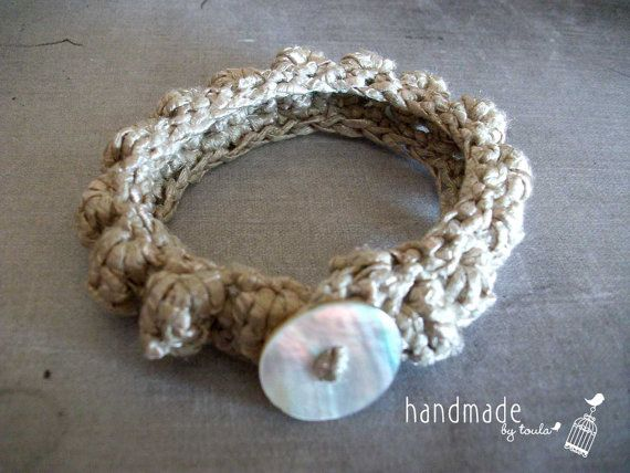 Ecru Crochet Bracelet by HandmadeByToula on Etsy, €4.00