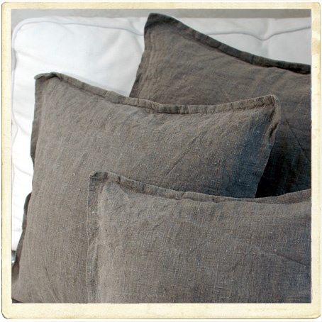 linen pillows <3