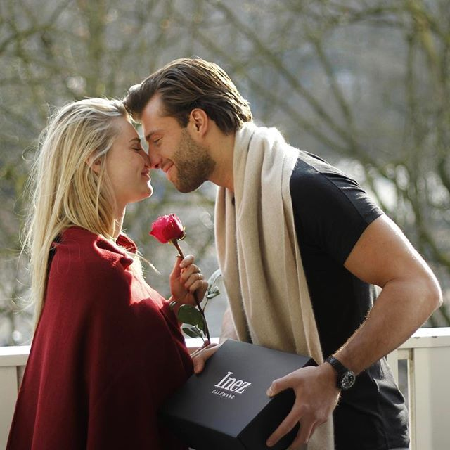 Happy Valentine's Day ❤️ Love and be loved.. on this day all about love we posted a new (photo) blog on our website! Check it out! Link in bio #InezCashmere . . . . #inezboutique#inez#inezamsterdam#amsterdam#amsterdamcashmere#luxury#luxurylife#luxurylifestyle#luxuryfashion#fashion#fashionstyle#fashiongram#fashionaddict#fashionpost#fashionphotography#fashiondesign#fashionlovers#scarf#scarvesfordays#scarfseason#scarfweather#couple#couplegoals#love#valentines