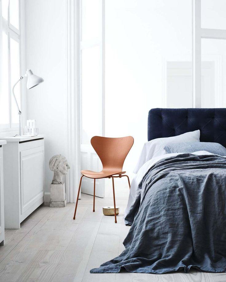 siebener stuhl 3107 von arne jacobsen f r fritz hansen interior design schlafzimmer m bel. Black Bedroom Furniture Sets. Home Design Ideas