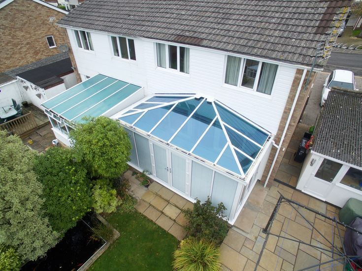White Glass Roof Conservatory Conservatory Glass Roof White Conservatoryconse Conservatoryconservatory G In 2020 Glass Conservatory Glass Roof Conservatory Roof