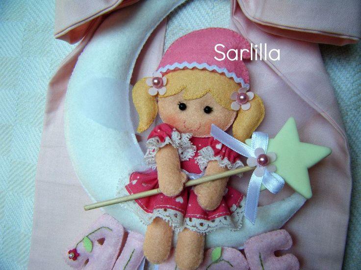 A Natale arriverà la piccola Alice, e la mamma, Annarita, mi ha chiesto di realizzarle il fiocco nascita sul modello di quello di Sveva (vis...