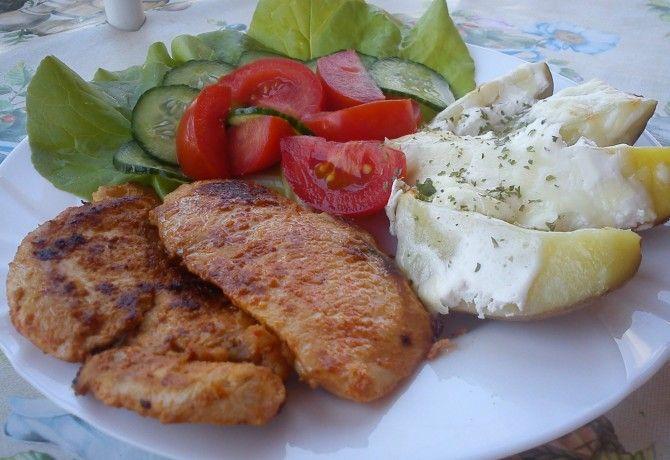 http://www.nosalty.hu/recept/joghurtos-csirkemell-sajtos-burgonyaval
