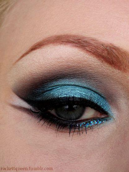 blue: Make Up, Eye Shadows, Blue Eye Makeup, Blue Eyes, Eyeshadows, Beauty, Eyemakeup, Makeup Idea