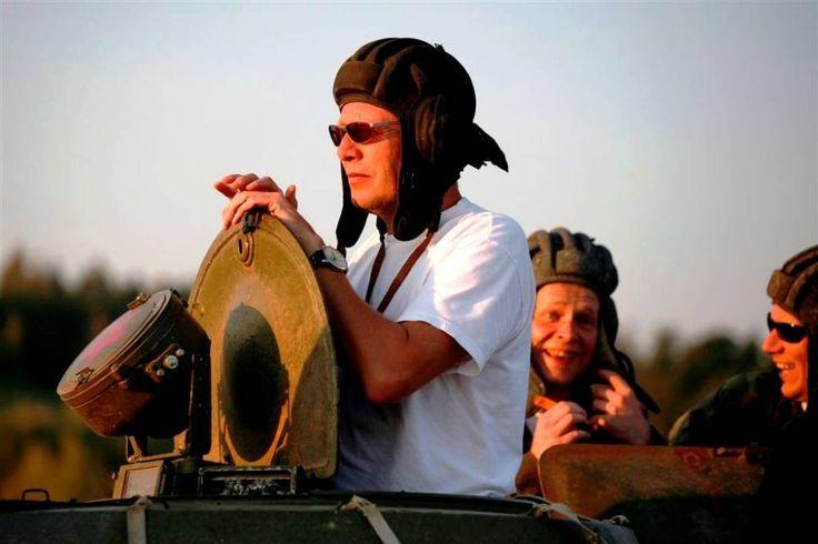 """Tankové čumendo... Všechno kolem vám říká: """"Pane."""" http://www.impresio.eu/zazitek/projizdka-v-obrnenem-transporteru-bvp"""