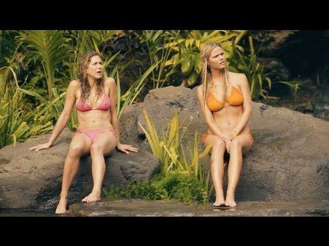 """Jennifer Aniston y Brooklyn Decker en """"Just Go With It"""" - Escena Sexy"""