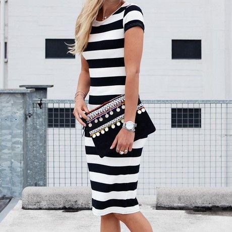 Zwart met wit gestreepte jurk