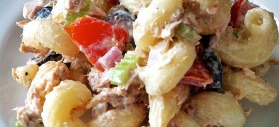 Δες εδώ μια πολύ νόστιμη συνταγή για ΚΡΥΑ ΣΑΛΑΤΑ ΖΥΜΑΡΙΚΩΝ ΜΕ ΚΑΛΑΜΠΟΚΙ ΚΑΙ ΠΙΠΕΡΙΕΣ ΑΠΟ ΤΗΝ ΑΡΓΥΡΩ, μόνο από τη Nostimada.gr