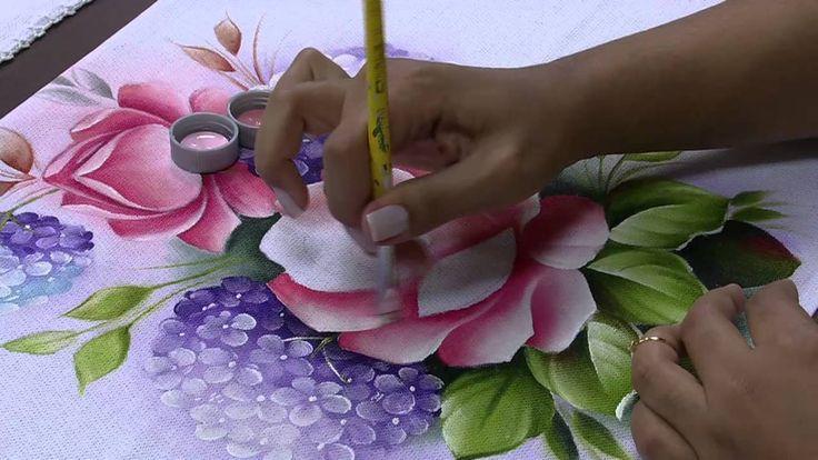 Mulher.com 29/05/2014 - Pintura de tecido rosas hortencias por Ana Laura...