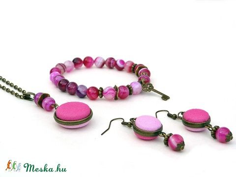 Pink ásvány- és textilgombos ékszerszett, Ékszer, óra, Karkötő, Nyaklánc, Fülbevaló, Meska