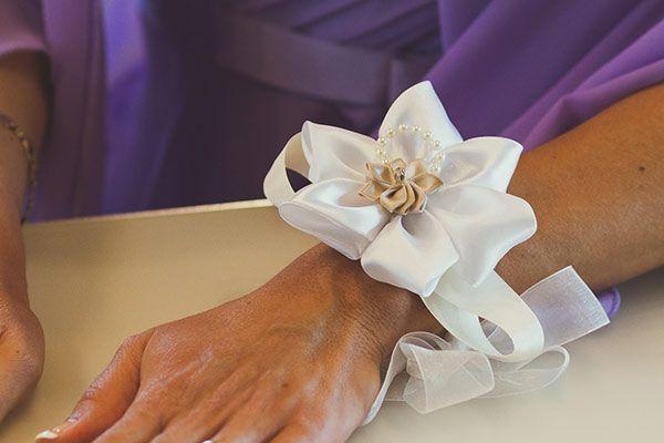 Bouquet da polso in stoffa