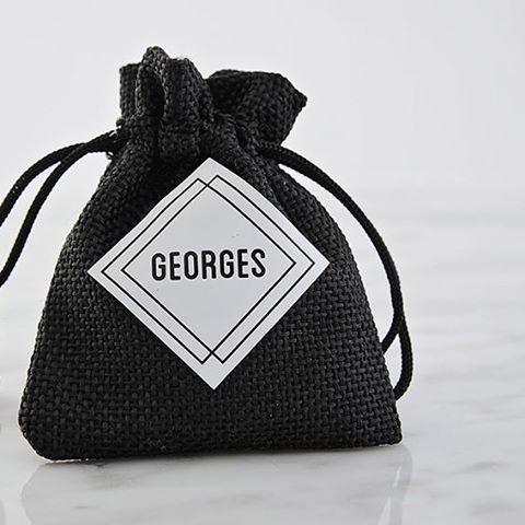 Zwart linnen zakje... Strak en stijlvol voor Georges