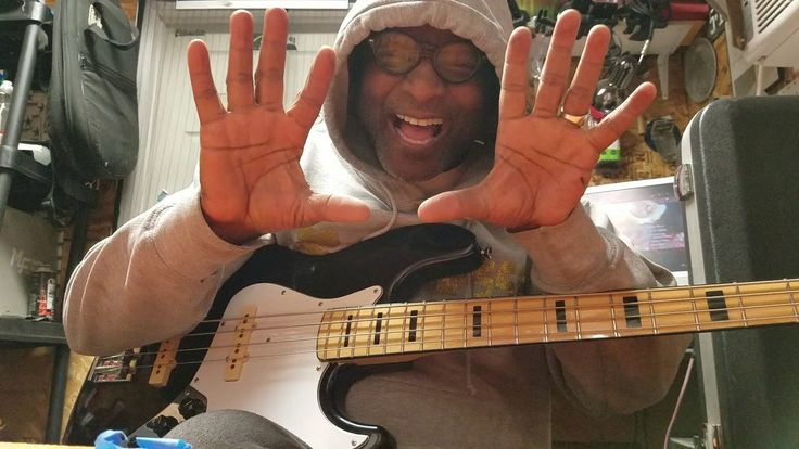 Fender Geddy meets lindy Fralin