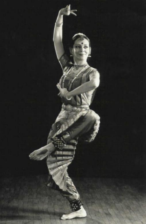exotic nude indian dancer