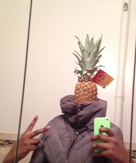 I'm Not Sure Why Everybody Calls Me a Fruit - Pineapple Selfie ---- jokes funny pictures walmart fail humor