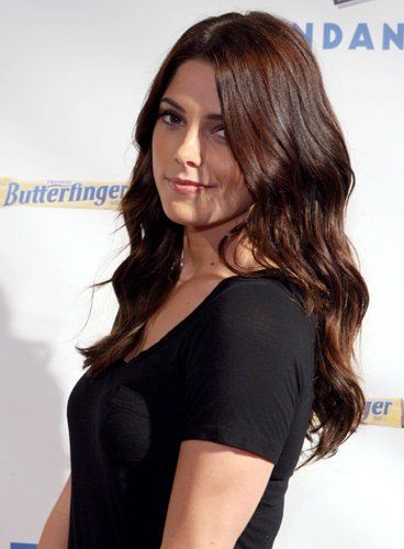 la comdienne ashley greene a donn ses cheveux bruns de beaux reflets auburn joli - Coloration Reflet