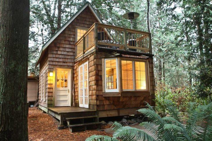 Regardez ce logement incroyable sur Airbnb : Gingerbread cottage - Maisons à louer à Point Roberts