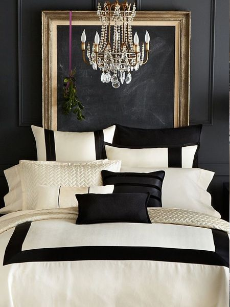 Use the power of contrast between black and white in a bedroom