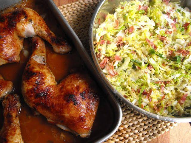 Coxas de frango com molho barbecue e couve salteada - http://gostinhos.com/coxas-de-frango-com-molho-barbecue-e-couve-salteada/