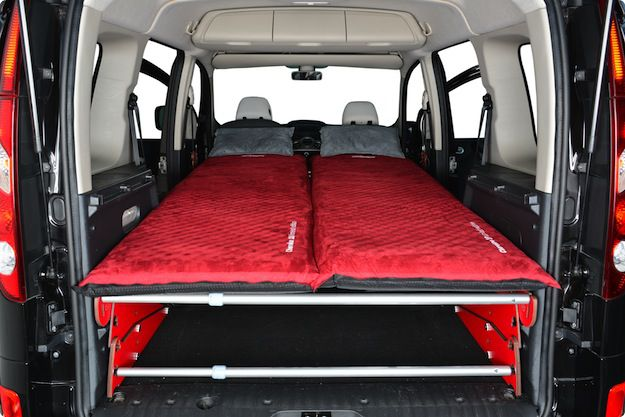 the new roombox easytech la carte enables you to transform your car into a camping car in. Black Bedroom Furniture Sets. Home Design Ideas