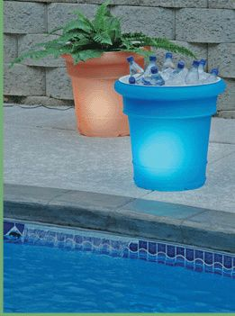 Glowing outdoor pot, electric or solar powered