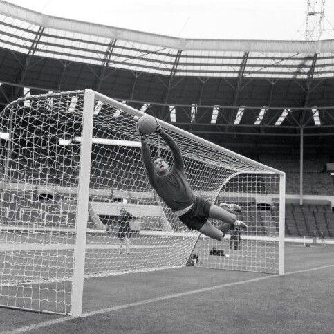 "Mexican goalkeeper Ignacio ""Nacho"" Calderón training at Wembley 1966."