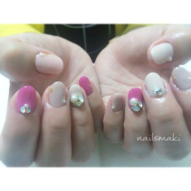 「Bijounail... #nail #nails #nailart #nailsalon #nailsmaki #naildesign #instanail #instanails #gelnail #gel #gelart #manicure #gelpaint  #calgel  #ネイル…」