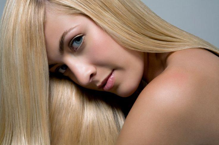 Lær at lave lyse striber i håret - Woman.dk