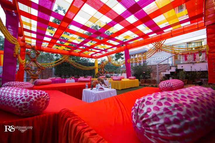 Wedding lounges for guests- Absolutely Steal-Worthy Trends To Make Your Wedding Fun And Memorable - BollywoodShaadis.com