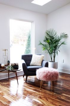 Best 25 mid century modern chairs ideas on pinterest for Alexander rose colonial chaise lounge