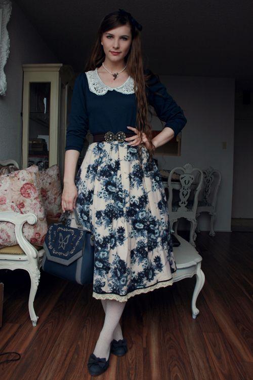 Vintage Twist   Floral Skirt Lace Collar Midi Skirt Blue