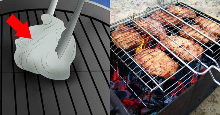 Dacă până acum curățați grătarul cu peria și soluții chimice, atunci aceste idei o să vă fie de folos. Metodele vechi sunt nu doar dificile, ci și periculoase, deoarece atunci când folosiți peria, se pot rupe firele, care rămân pe grătar și ulterior pot ajunge în bucate. Echipa Bucătarul.eu vă oferă 5 moduri sigure de curățare a grătarului de grăsimi și alimente arse, astfel încât acesta va străluci și va arăta ca nou. Cu ce să curățați grătarul? 1. Ceapă și lămâie Când grătarul este încă…