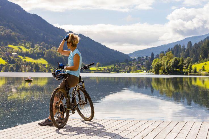 Biken entlang des Sees
