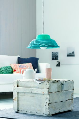 DIY Idea - Sprayed plastic basket lampshade #mathilde2cparis#homesweethome