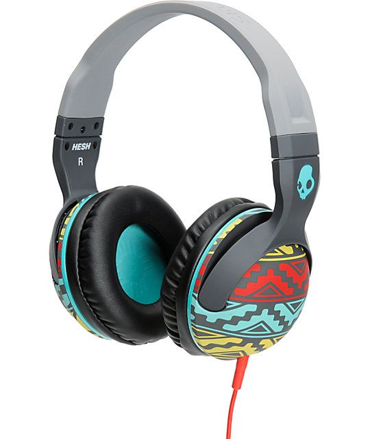 Skullcandy Hesh 2 is here to give you a boost of sound on your favorite tracks. The grey and bright Santa Fe pattern frame has plush leather ear pillows that give you a clean look along with ultimate comfort. These Supreme Sound headphones deliver awe ins