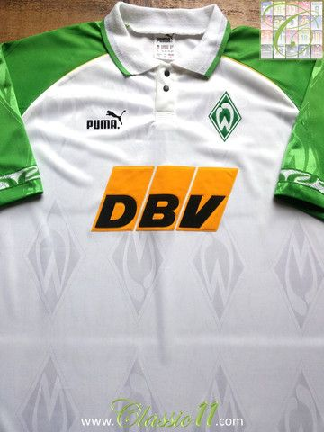 Relive Werder Bremen's 1995/1996 season with this vintage Puma home football shirt.