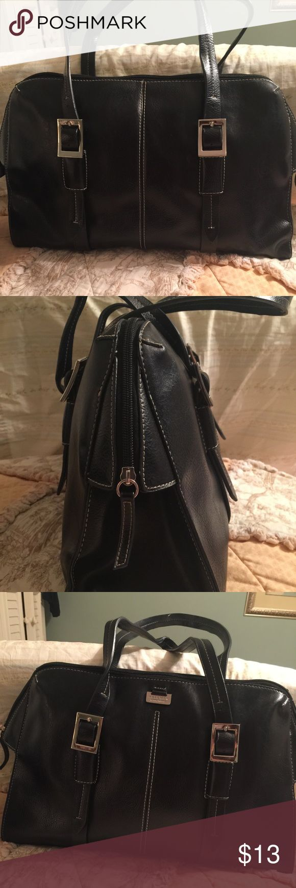 Kenneth Cole Nice Kenneth Cole reaction purse. Black and in good Shape. Handles have an area that is coming apart slightly.Clean inside. Kenneth Cole Reaction Bags Shoulder Bags